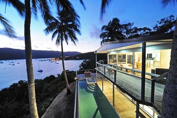 Queensland's luxury market looking up this spring